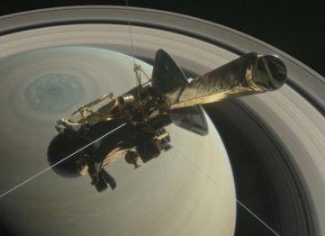 Cassini dans l'atmosphère de Saturne