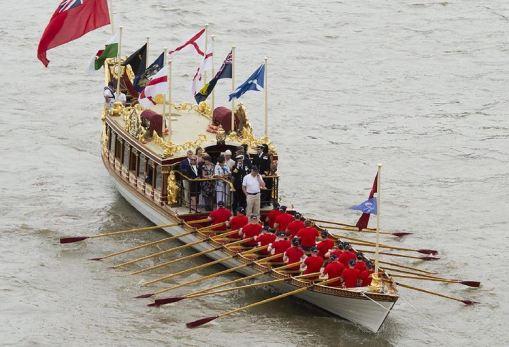 reine barge royale