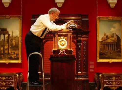 Reine curateur horloges
