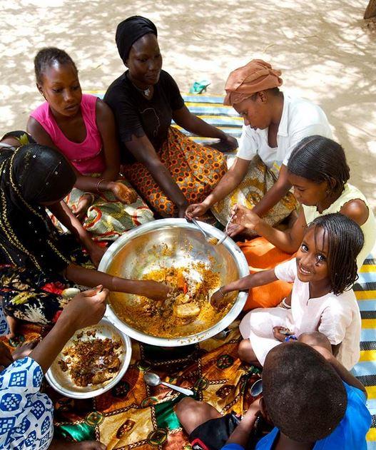 repas de famille au Sénégal