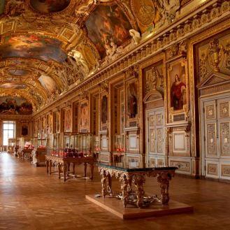 Louvre 0